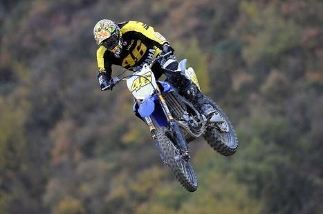 La Biscia MX track, Valentino Rossi with Tony Cairoli   Motocross :3   Scoop.it