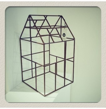 Casa portalampada in metallo - Design House Doctor   Blank   Oggetti Design Casa Online   Blank   Scoop.it
