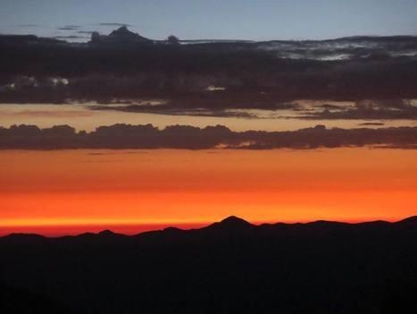 Le soleil se lève pour voir passer les coureurs du GRP au col de Portet | Camping Le Lustou | Vallée d'Aure - Pyrénées | Scoop.it
