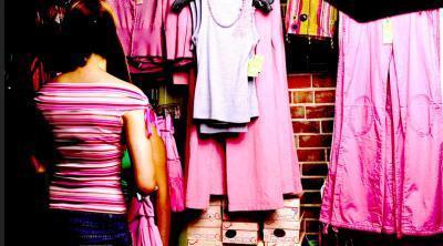 Dime qué hay en tu guardarropa y te diré quién eres… | accesorios, bolsas, zapatos, ropa, carteras, libretas....productos artesanales y asociados al aspecto holístico | Scoop.it
