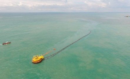 Half a tonne of crude oil involved in Negri Sembilan spill, cleanup underway / le 02.12.2016 | Pollution accidentelle des eaux (+ déchets plastiques) | Scoop.it