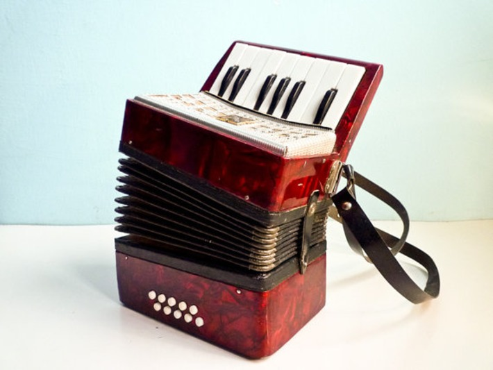 Vintage accordion red pearl russian for kids by EuroVintage | Antiques & Vintage Collectibles | Scoop.it