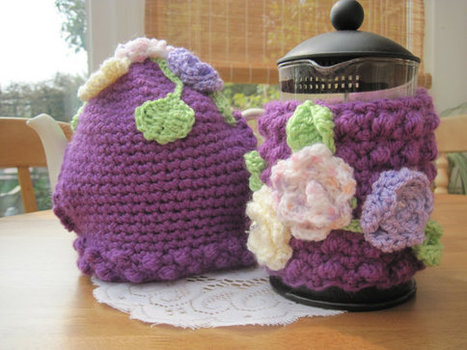Coffee Pot Cover and Matching Tea Cosy in Crochet | Crochet | Scoop.it