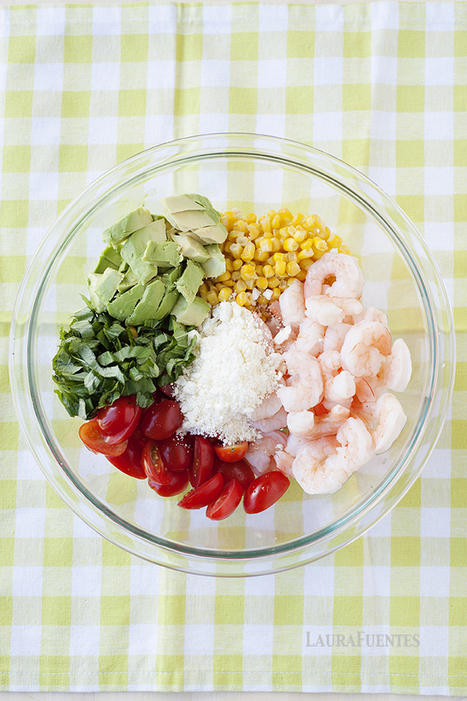 Corn, Tomato, and Avocado Salad with Shrimp   ♨ Family & Food ♨   Scoop.it