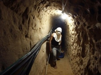 Egypt To Continue Demolishing Border Tunnels - International Middle East Media Center | estadísticas | Scoop.it