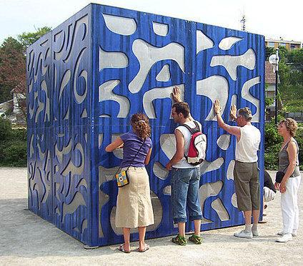 Le Cube, Odyssée sonore sculp. sonore tactile @ Sedano J.R. et de Ory S. 1999   DESARTSONNANTS - CRÉATION SONORE ET ENVIRONNEMENT - ENVIRONMENTAL SOUND ART - PAYSAGES ET ECOLOGIE SONORE   Scoop.it