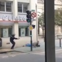 Vidéo - Il braque une Caisse d'Epargne et se fait cueillir à la sortie | b3b | #Banque #Actus | Scoop.it
