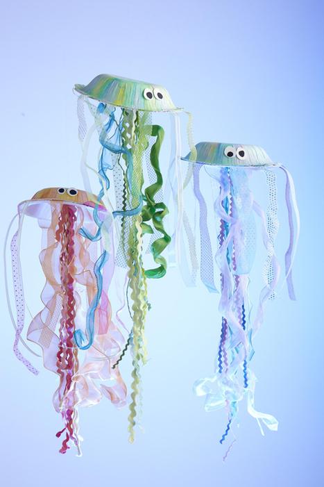 How to Make Your Own Jellyfish | I Scrap, U Scrap | Manualidades para niños | Scoop.it