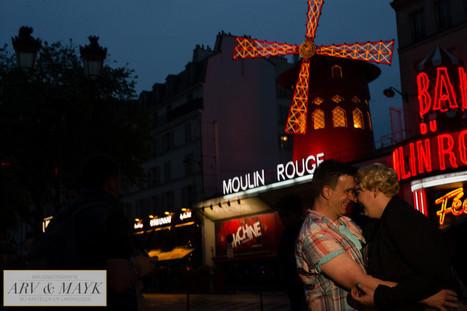 Loveshoot in Parijs in de avond en met regen | Bruidsfotografie | Scoop.it