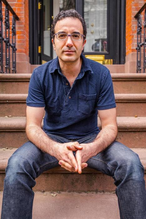 Inside the Genius of Radiolab and Why It's So Addictive | Radio resources | Scoop.it