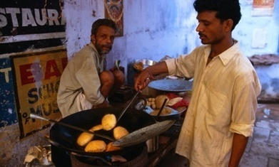 The foodie traveller … at breakfast with the faithful in Varanasi, India | Travel Bites &... News | Scoop.it