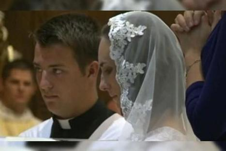 38-Year-Old Woman Marries Jesus Christ in Elaborate Ceremony | Strange days indeed... | Scoop.it
