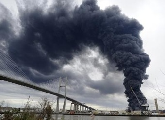 Fire breaks out at Port of Savannah warehouse, now contained but still burns | Global Logistics Trends and News | Scoop.it