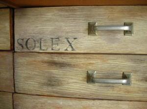 Réaliser une patine sur tiroir en chêne dans un esprit industriel #pasàpas #DIY   Best of coin des bricoleurs   Scoop.it