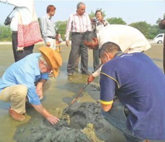 Experts visit ancient boat site at Kuakata | Archaeology News | Scoop.it