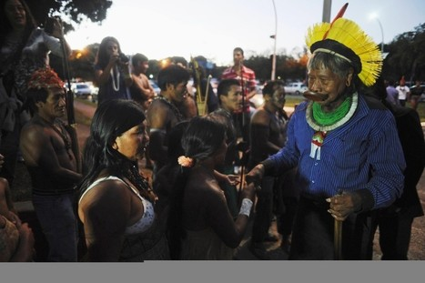 Cacique Raoni arrives to support the Munduruku Indians fight against the Belo Monte dam in Brasilia | ARAWA network news | Scoop.it