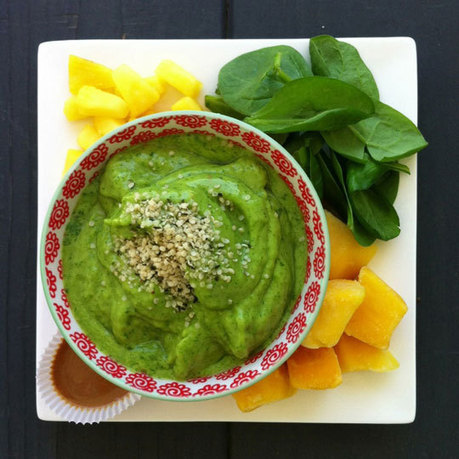 Mango and Pineapple Green Smoothie Bowl - Simple Green ... | Raw Food Diet | Scoop.it