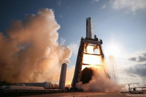 New SpaceX Rocket Booster Completes 'Full Mission Duration' Firing Test   The NewSpace Daily   Scoop.it