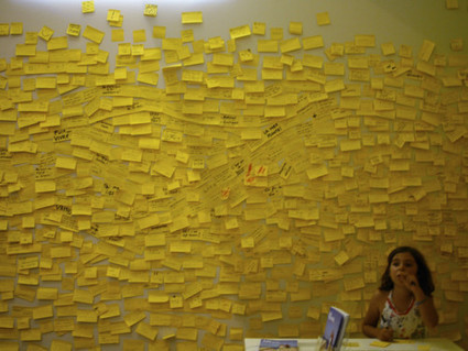 Le mur de post-it - Le Bateau Livre   Arts et FLE   Scoop.it