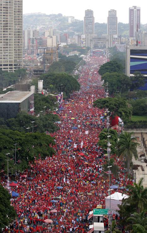 Impactantes fotos de la colosal marea roja que cubrió el centro de Caracas | remarques | Scoop.it