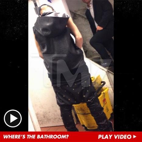Justin Bieber Pisses Into Restaurant Mop Bucket -- 'F*** Bill Clinton!' [VIDEO]   Shocking Celebrity News   Scoop.it