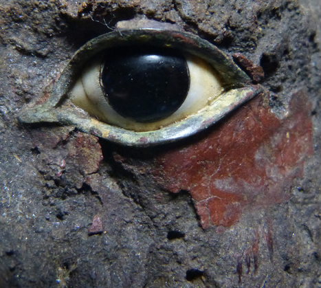 Let's focus on the eyes. | In the Artifact Lab | Egyptology and Archaeology | Scoop.it