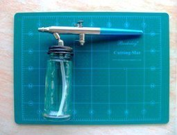 DIY Large Capacity Airbrush Bottle | Home Decorating and DIY | Scoop.it