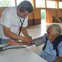 Médicos atienden a adultos mayores - Prensa Libre | Enfermería del Adulto II | Scoop.it