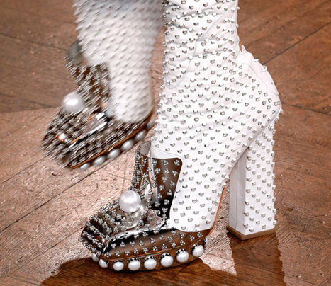 Alexander McQueen's incredibly detailed Fall 2013 runway shoes | Best of SHOE BLOGGERS | Scoop.it