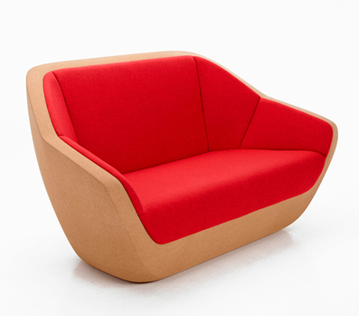 La structure du sofa de Lucie Koldova est sculptée dans un seul bloc de liège compressé | inoow design lab | Scoop.it