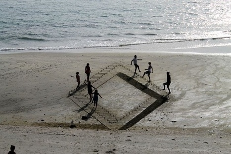 Artists Transform Beach Sand Into Trippy Optical Illusions | The brain and illusions | Scoop.it
