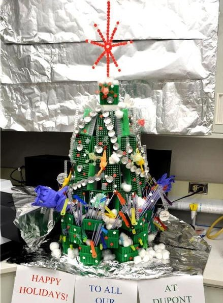 A Christmas tree from abandoned materials -- concept of recycling | DuPont ASEAN | Scoop.it