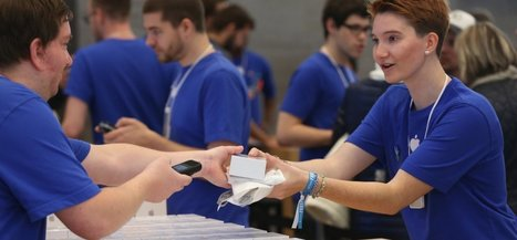 11 Seriously Weird Things About Working at an Apple Store | Strange days indeed... | Scoop.it