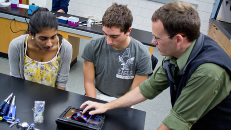 Teachers integrate iPads into classrooms for innovative teaching | Higher Education and more... | Scoop.it