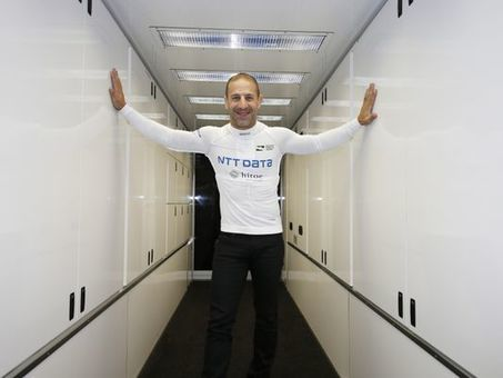 Tony Kanaan gets a grip with new shirt technology | Sports Engineering | Scoop.it