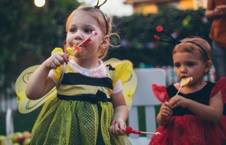 Relax, parents: Halloween candy won't make kids hyper | Kickin' Kickers | Scoop.it