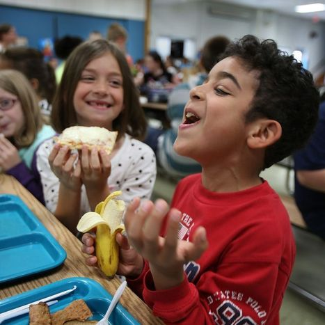 As the lunch line gets healthier, making ends meet in school cafeterias gets tougher  - The Buffalo News | School Food News | Scoop.it