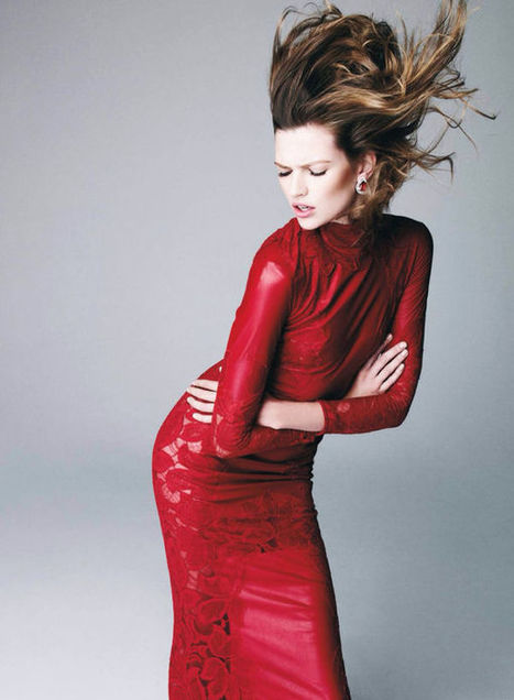 Fiercely Crimson Editorials - The Harper's Bazaar Spain December 2013 Issue Paints the Town Red (TrendHunter.com) | photography | Scoop.it