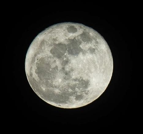 Storyteller: Nikon D750 vs Fujifilm X-E2 on shooting the moon | Fuji X-E2 | Scoop.it