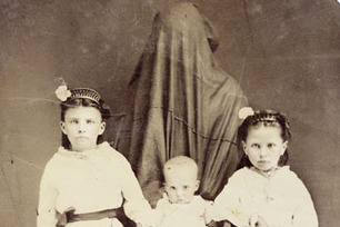 Why did mothers once conceal themselves in photographs? - Daily Life   Readings and literature   Scoop.it