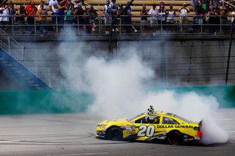 Matt Kenseth wins the Quaker State 400 at Kentucky Speedway ... | NASCAR News | Scoop.it