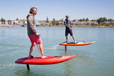 Avenir des loisirs nautiques : le jetfoiler. Un surf électrique à foil | Aires de jeux | Scoop.it