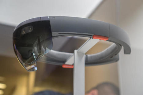 Microsoft shows off HoloLens' 5 most fundamental features - CNET | Digital Marketing | Scoop.it