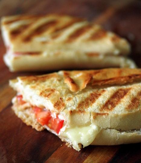 Panini au Rocamadour, le fromage de chèvre le plus onctueux | The Voice of Cheese | Scoop.it
