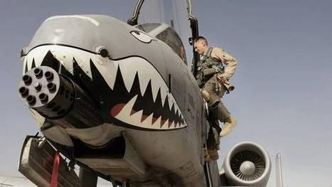 Spuuglelijke vliegende tank 'Wrattenzwijn' losgelaten op IS | Islamitische Staat | ISIS | Scoop.it