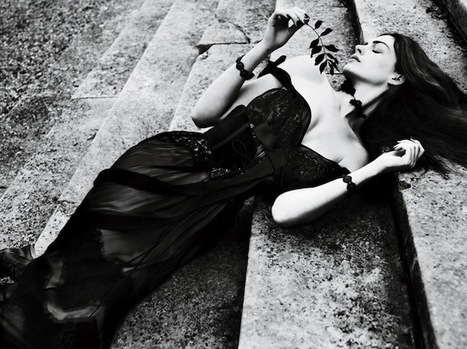 Gorgeously Gothic Anne Hathaway | ART  | Conceptual Photography & Fine Art | Scoop.it