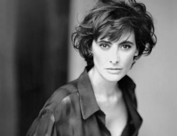 """A elegância e o glamour da moda francesa revelada pela """"manequim que fala""""   Moda Francesa   Scoop.it"""