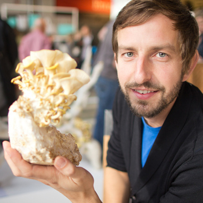 Movie: Eric Klarenbeek's Mycelium 3D-printed fungus could build houses | shubush design & wellbeing | Scoop.it