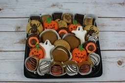 Halloween Goodies Tray with Pumpkin Whoopie Pies and Cookies Tray |Seattle, Washington | Holiday Special | Scoop.it