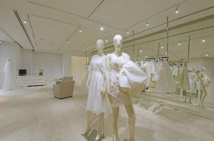 White wonderland at pop-up store Club 21 White | latest fashion trends | Scoop.it